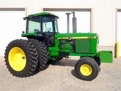 Jd Tractors, John Deere Tractors, Tractor Cabs, Farms Living, Heavy Equipment, Farm Life, Farming, Childhood, Classic