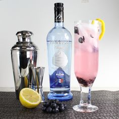 Sweet summer sipping! Blueberry Lemon Mint Cooler with Pinnacle Whipped Vodka. #PinnacleCocktailClub #PinnacleVodka