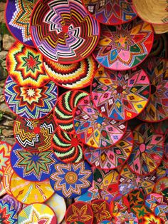 ethiopian art | The artist explores various geometric patterns which reminds me of the metaphysical flower of life