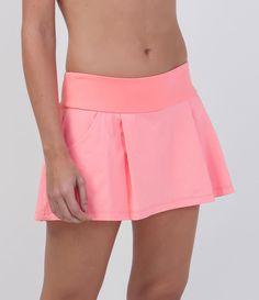 Short saia feminino  Esportivo  2 Bolsos  Marca: Get Over  Tecido: Poliamida  Composição: 87% poliamida e 13% elastano  Modelo veste tamanho: P       COLEÇÃO VERÃO 2016       Veja outras opções de    bermudas esportivas femininas.