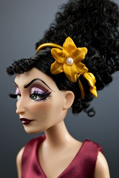Mother Gothel - Close Up Disney Villains Designer Collection Doll Rapunzel Flynn, Disney Rapunzel, Disney Dolls, Disney Pixar, Barbie Dolls, Dolls Dolls, Disney Art, Walt Disney, Disney Evil Queen