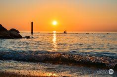 Alba sulla spiaggia Urbani di Sirolo (An) Marche  #Marche #Sirolo #marcheforyou #rivieradelconero #adriatico #spiaggia #alba #sunrise #seaview #italia #tourism #pescatore