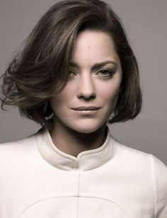 Marion Cotillard by Mark Seliger Marion Cotillard Hair, Marion Cotilard, Hair Inspo, Hair Inspiration, Short Hair Cuts, Short Hair Styles, Chic Haircut, Mark Seliger, Photo Portrait