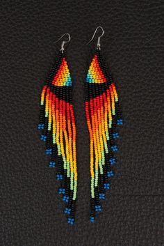 Pacha Mama Wualca Medicine Necklace Rainbow Heart by myilumina Beaded Earrings Native, Beaded Earrings Patterns, Native Beadwork, Seed Bead Patterns, Jewelry Patterns, Beading Patterns, Seed Bead Jewelry, Bead Jewellery, Seed Bead Earrings