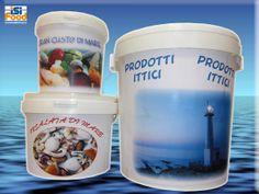 Grande importanza hanno gli imballaggi con i quali i prodotti ittici vengono messi in commercio, in quanto essi devono essere in perfetto stato di conservazione e rispondere a diverse esigenze igieniche.