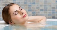 Epson Salt Bath to lose weight. Health And Beauty Tips, Health And Wellness, Health Care, Epsom Salt Benefits, Bath Benefits, Epsom Salt Bath, Bath Detox, Lose Weight, Weight Loss