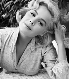 Sandra Dee born as Alexandra Zuck in Bayonne, New Jersey on 23 April She died 20 february 2005 in Thousand Oaks, California. Old Hollywood Style, Old Hollywood Glamour, Vintage Hollywood, Hollywood Stars, Classic Hollywood, Sandra Dee, Old Movie Stars, Classic Movie Stars, 1950s Movie Stars