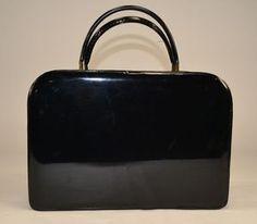 my FAVORITE vintage handbag - by tolin