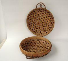 4 Asian Home Decor Ideas Asian Home Decor, Easy Home Decor, Sewing Case, Bamboo Art, Vintage Baskets, Rattan Basket, How To Make Tea, Vintage Home Decor, Storage Baskets