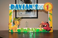 Lion King Photo Frame Prop // Personilized Photo Prop // Photo Booth Prop // Party Props // Birthday Props Lion King Photo Frame by Kaskarrabias on Etsy Jungle Theme Birthday, Lion King Birthday, Baby Boy 1st Birthday Party, 3rd Birthday Parties, Birthday Ideas, Lion King Theme, Lion King Party, King Picture, King Photo