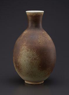 Josep Llorens Artigas (1892-1980), Grand vase balustre à col étroit en grès émaillé brun, signé Artigas, h. 35 cm