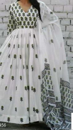 Indian Gowns Dresses, Indian Fashion Dresses, Indian Designer Outfits, Indian Outfits, Pakistani Dresses, Designer Dresses, Printed Kurti Designs, Kurta Designs, Designer Kurtis