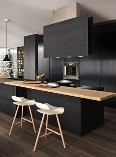 cuisine noire et plan de travail en bois - black and wood kitchen, design. Modern Kitchen Design, Modern House Design, Interior Design Kitchen, Kitchen Designs, Room Interior, Black Kitchen Cabinets, Black Kitchens, Kitchen Countertops, Kitchen Black