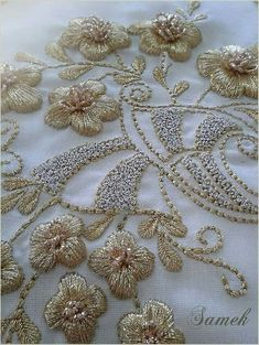 Thought this might be a beautiful piece to replicate with tambour needle/hook. The piece above I'm pretty sure was done with needle and thread and not with the tambour needle/hook. Beautiful anyway you look at it.