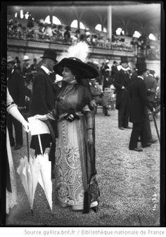 Les modes à Longchamp, 1911   [Agence Rol]