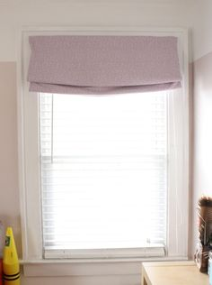 no sew roman shades DIY Network Blackout Roman Shades, Diy Roman Shades, Window Coverings, Window Treatments, Roman Shade Tutorial, Apartment Makeover, Diy Network, Diy Curtains, Diy Projects To Try