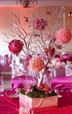 Love this manzanita branch tree centerpiece. Would change the colors to fall themed colors though.