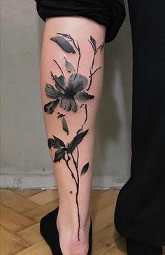 Marta Szumigaj flower tattoo
