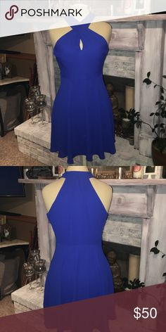 Express Criss Cross Dress Never worn & brand new, just doesn't have tags! Love this but it doesn't Zip all the way up on me :,( Express Dresses Mini