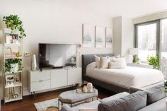 Studio Apartment Furniture, Studio Apartment Living, Studio Apartment Layout, Small Studio Apartments, One Room Apartment, Studio Layout, Studio Apartment Decorating, Studio Living, Studio Apartment Divider