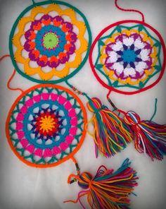 Crochet Wall Art, Crochet Diy, Love Crochet, Learn To Crochet, Crochet Doilies, Doily Patterns, Crochet Patterns, Doily Dream Catchers, Crochet Dreamcatcher
