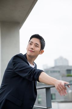 [Interview] Jung Hae-in Wants to Rely on His Acting and Not on His Looks @ HanCinema :: The Korean Movie and Drama Database New Actors, Cute Actors, Actors & Actresses, Asian Actors, Korean Actors, Music Video Models, Jung In, Kim Sang, Fnc Entertainment