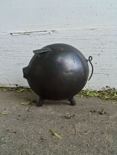Silly Rustic Vintage Metal Pig by bettyrayvintage on Etsy