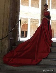 新娘    Chinese Wedding Dresses  #PhotoLanda #andalusia #granada # Granada Andalucia, Andalusia, Formal Dresses, Wedding Dresses, Chinese, Japan, Fashion, Palaces, Boyfriends
