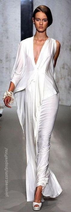 Spring 2010 Ready-to-Wear Donna Karan by Maria del Socorro pinzon