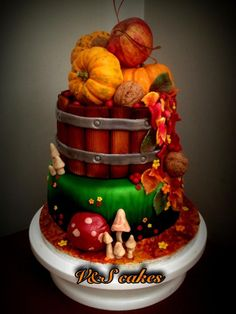 My first fall cake by V&S cakes