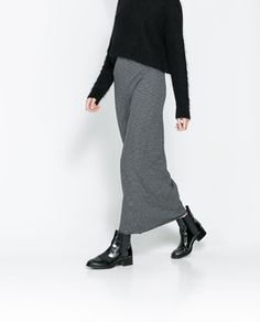 Grey Ankle Boats Outfit Fall Midi Skirts 21 Ideas For 2019 Long Skirt Outfits, Winter Outfits, Skirts With Boots, Skirt Boots, Mein Style, Boating Outfit, Gray Skirt, Look Chic, Autumn Winter Fashion
