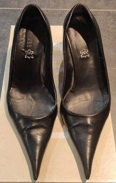 Nylons Heels, Stiletto Heels, Shoes Heels, Pumps, Sexy Legs And Heels, Black Heels, High Heels, Retro Heels, Walking