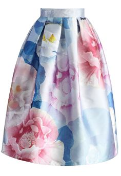 Cotton candy colors in a watercolor design make for a yummy yet classy A-line skirt. The box pleats drive home the sophistication even the more. - Box pleats from waist - Back zip closure - Lined - 100% Polyester - Machine wash gently Size(cm) Length Waist XS 74 64 S 74 &nb