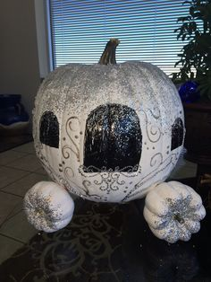 2013 Pumpkin Decorating Contest - Cinderella's Pumpkin Carriage