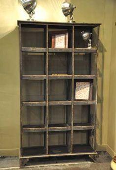 Bibliothèque de rangement en métal 15 niches Tri Postal Chehoma