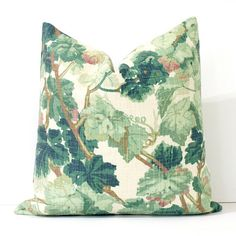**Made to order. Please allow 4-6 business days for sewing turnaround time. Brand new pillow cover in a lovely green vine print. The fabric