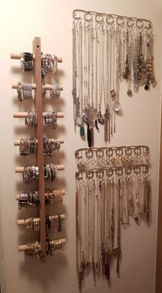 Halskette und Ringhalter (von BB & B) . Necklace and Ring Holders (from BB&B). Bracelet Holders, Diy Jewelry Holder, Jewelry Hanger, Ring Holders, Diy Necklace Holder, Bracelet Organizer, Diy Earring Holder, Necklace Storage, Diy Bracelet Storage