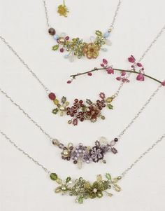 (http://www.altiplano.com/beaded-flower-necklace/)