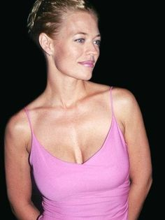 Jeri Ryan joins Syfy's Helix