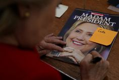 Universidad de EEUU ofrece curso sobre la vida de Hillary Clinton - http://www.notiexpresscolor.com/2016/11/12/universidad-de-eeuu-ofrece-curso-sobre-la-vida-de-hillary-clinton/