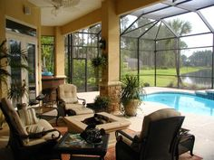 An option for stucco columns with a stone base capped with cast stone.   If you need your pool cage or lanai screens fixed or just want a FREE quote, call us at (813) 928-8118.  We serve all of the Tampa Bay area.