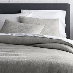 Crate & Barrel Lindstrom Grey Full/Queen Duvet Cover (1.405 NOK) ❤ liked on Polyvore featuring home, bed & bath, bedding, duvet covers, herringbone bedding, crate and barrel, crate and barrel bedding, textured bedding and gray bedding