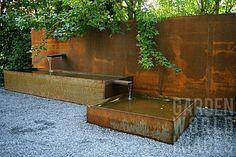 I adore Corten!>>>Corten steel fountain in modern garden Water Features In The Garden, Corten Steel, Steel Fence, Modern Landscaping, Water Garden, Fountain Garden, Landscape Architecture, Landscape Designs, Architecture Design