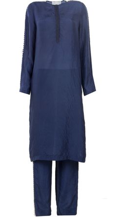Indigo crushed silk kurta set by ANAMIKA KHANNA. http://www.perniaspopupshop.com/whats-new/anamika-khanna-indigo-crushed-silk-kurta-set-ankc0913005.html