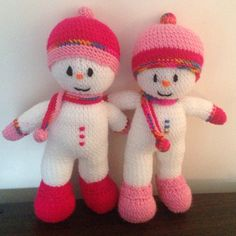 Snowmen Christmas pressies from Jean Greenhowe's free toy box snowman pattern!