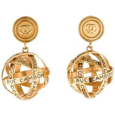 Preowned Chanel Gold 31 Rue Cambon Large Dangle Drop Evening Globe... (67.485 RUB) ❤ liked on Polyvore featuring jewelry, earrings, dangle earrings, gold, chanel jewelry, gold dangle earrings, long gold earrings, yellow gold dangle earrings and yellow gold earrings