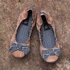 Anusha: love the striped ribbon