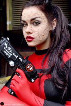Funny pictures about Deadpool Cosplay. Oh, and cool pics about Deadpool Cosplay. Also, Deadpool Cosplay photos. Deadpool Cosplay, Lady Deadpool, Female Deadpool Costume, Female Marvel Cosplay, Deadpool Face, Dead Pool, Comic Con Cosplay, Anime Cosplay, Black Cat Marvel
