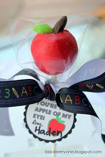 The Blackberry Vine: Apple of My Eye Cake Pops