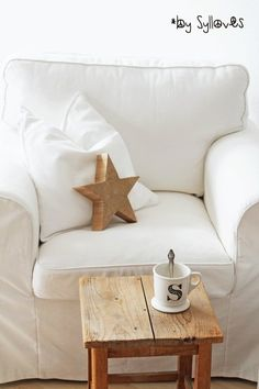 A comfort place to Sit, a Star in reach, and  a mug with my initial S on it......Saskia Says...bye bye I'm gone here